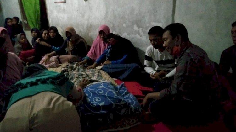 Dapat Kabar Warganya Tewas Tenggelam, Bupati Romi langsung ke Rumah Duka