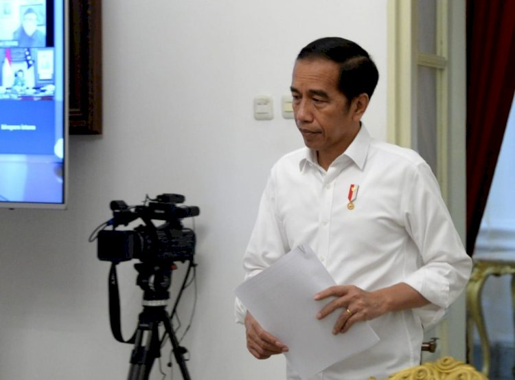Jokowi Kini Punya Akses Penuh Mengangkat, Memindahkan, Memecat ASN!