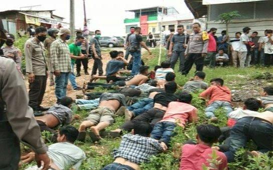 Puluhan Massa dari Lubuklandai Dihadang Polisi Bungo-Jambi, Kapolres: Kita Minta Nyanyi Lagu Indonesia Raya