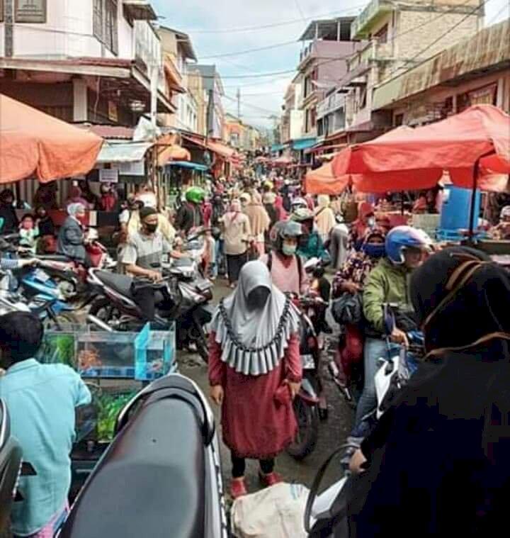 Sosialisasi Pemkot Sungaipenuh Sia-sia, Akhir Ramadhan Pasar Diserbu Warga