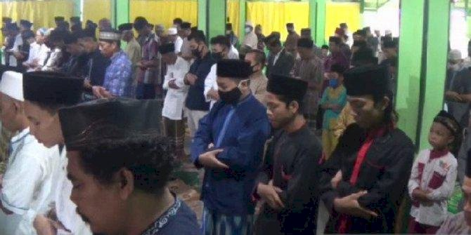 Ratusan Jemaah Salafiyah di Magetan Sholat Idul Fitri Hari Ini