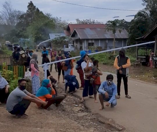Tidak Diperkenankan Masuk, Puluhan Warga Pendatang di Merangin Lempari Posko Covid19 Lembahmasurai