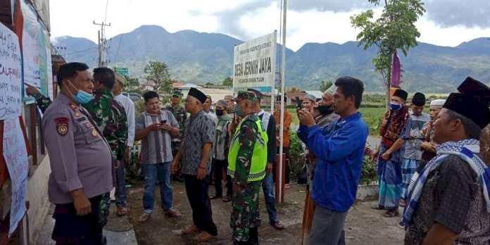 BLT Tidak Tepat Sasaran, Ratusan Warga di Jernih Jaya Kerinci Segel Kantor Desa