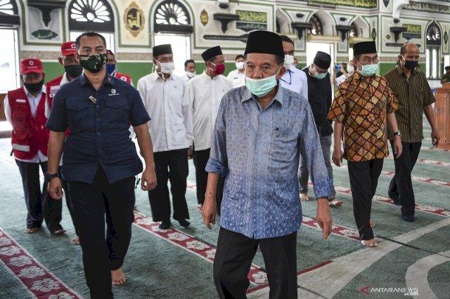 Begini Protokol Kesehatan di Masjid Al Azhar Jakarta Sebelum Sholat Jumat, Dihadiri JK dan Jimly Asshiddiqie