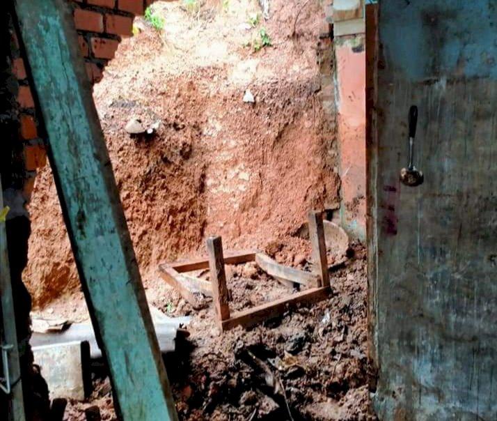 Miris, Rumahnya Jebol Dihantam Longsor, Warga Seberang Masumai Bangko Ini Terpaksa Ngungsi