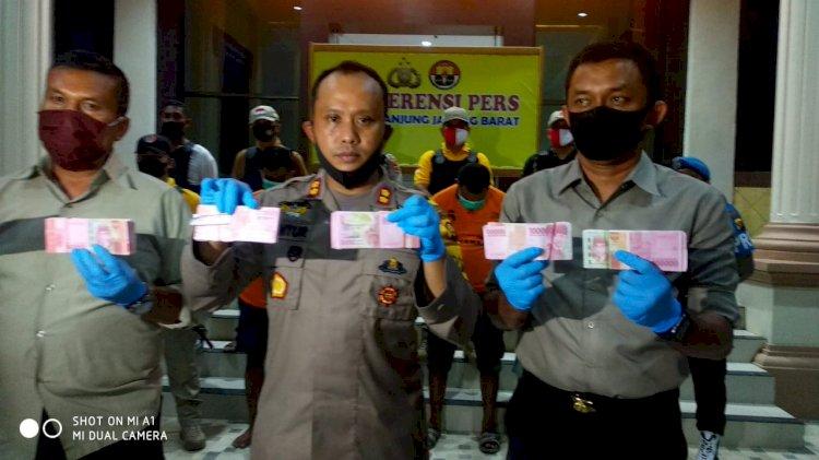 Di Tanjab Barat, Polisi Amankan Uang Palsu Ratusan Juta, 4 Pelaku Berhasil Ditangkap