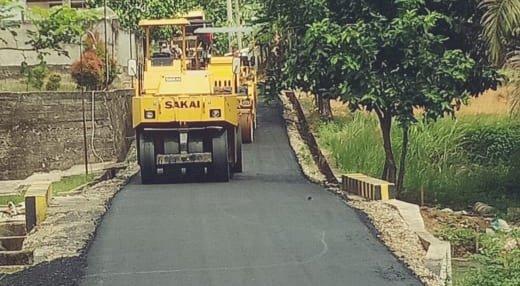 Tidak Terkendala Covid-19, Pekerjaan Jalan Dalam Kota Sarolangun Terus Dilakukan