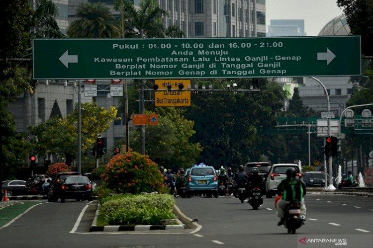 DKI Siapkan Bus Sapu Jagat Bereskan Kepadatan Halte saat Ganjil Genap