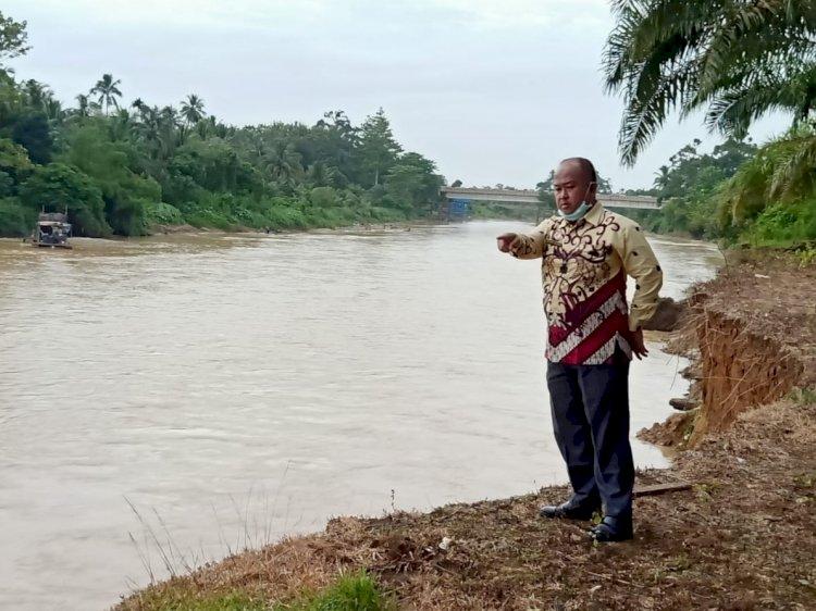 Akibat Aktivitas Dompeng, Puluhan Rumah Warga Terancam Hanyut di Desa Baru Sarolangun