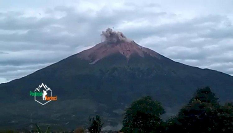 Gunung Kerinci Terpantau Erupsi, BPBD: Status Masih Waspada