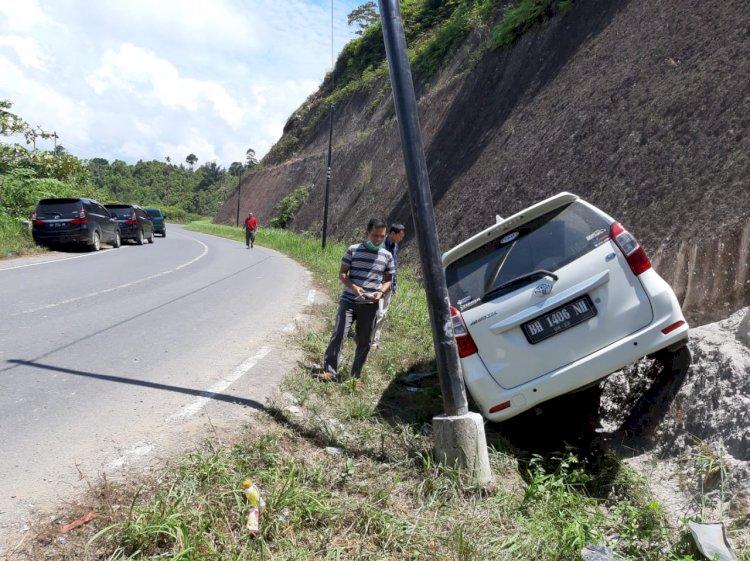 Mobil Rombongan Staff Bawaslu Provinsi Jambi Kecelakaan di Muara Emat Kerinci, Begini Kondisinya