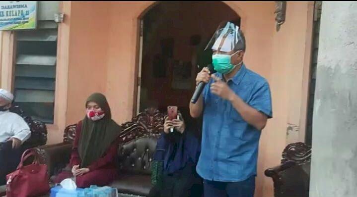 Didampingi Hazrin Nurdin, Ratu Munawaroh Datangi Warga Kampung Manggis