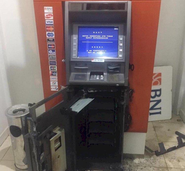 Gunakan Mesin Las, Perampok Bobol ATM BNI di Paalmerah Kota Jambi