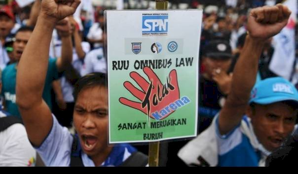 Omnibus Law Jadi Kontroversi hingga Buruh Menolak Mati-matian, Sebenarnya Apa Itu?