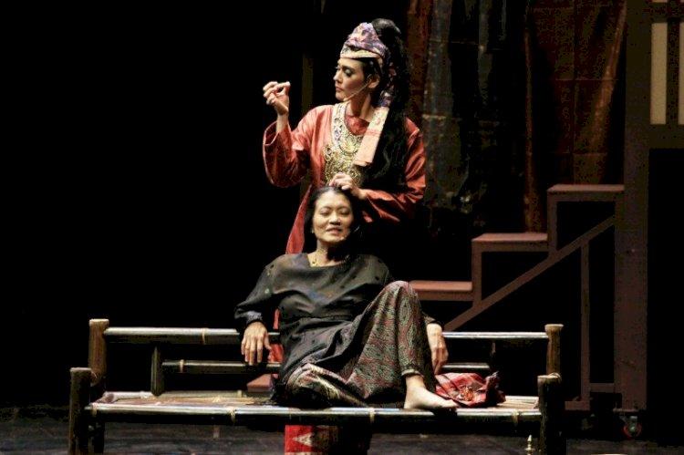 """Padusi"" Pementasan dengan Unsur Kebudayaan Minang"