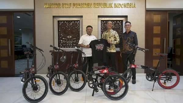 Jokowi Dikasih Sepeda Daniel Mananta, Gerindra: Ini Soal Sensitif Bisa Digoreng Kemana-mana