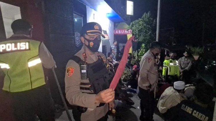 Aksi Pukulan di Minimarket Penyebab Bentrok Dua Ormas di Sukabumi