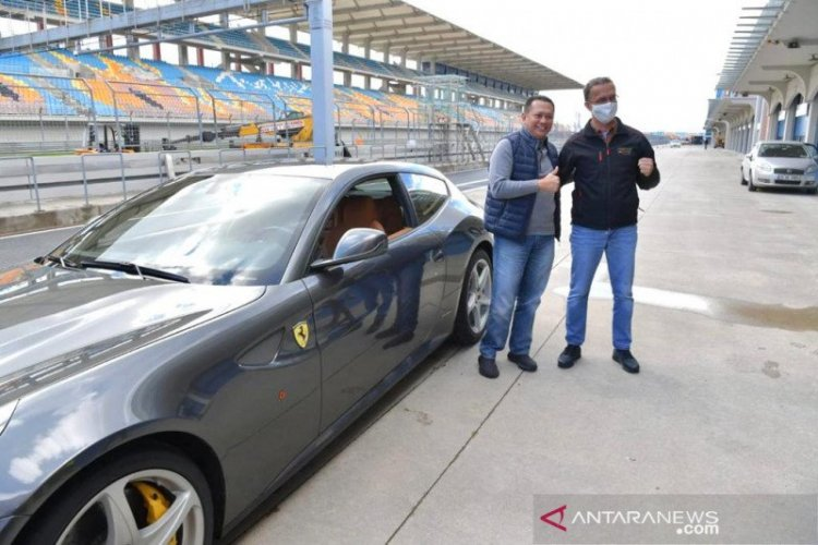 Gunakan Ferrari, Bamsoet Tes Sirkuit F1 Istanbul Turki