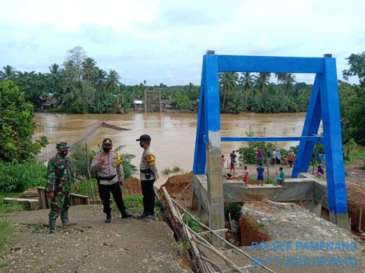 Puluhan Rumah di Kecamatan Pamenang Terendam Banjir, 1 Jembatan Gantung Putus
