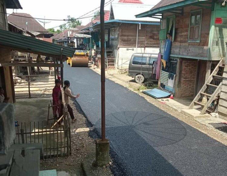 Pemkab Bungo Aspal Jalan Dusun Candi, Warga: Terima Kasih Pak Bupati