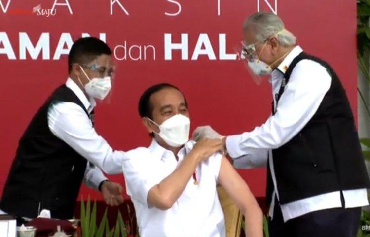 Jokowi Disuntik Vaksin Pertama Kali: Nggak Terasa Sama Sekali
