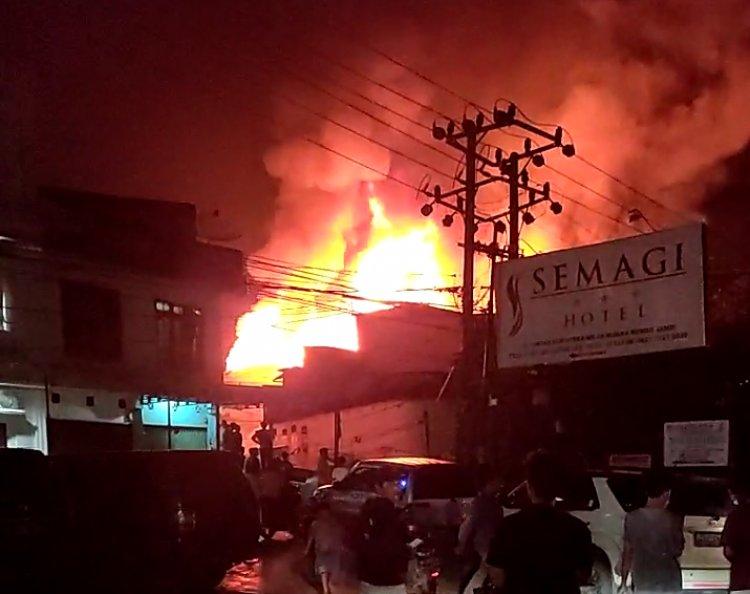 BREAKING NEWS! Hotel Semagi Muara Bungo-Jambi Terbakar