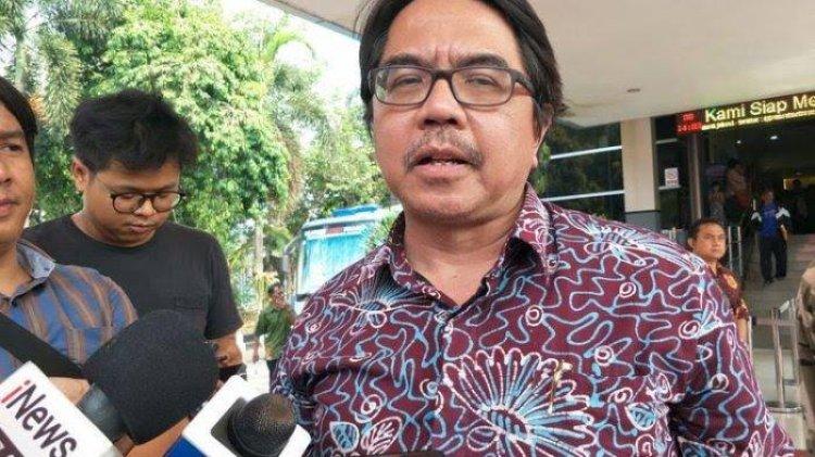 Ade Armando Sebut Ada Kekuatan Besar di Balik FPI, Minta Polri Interogasi Habib Rizieq