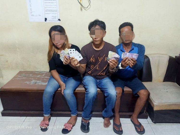 Duh! Bulan Puasa Kelakuan Tiga Warga Ini Bikin Nyesek, Asyik Berjudi Saat Ditangkap Polisi