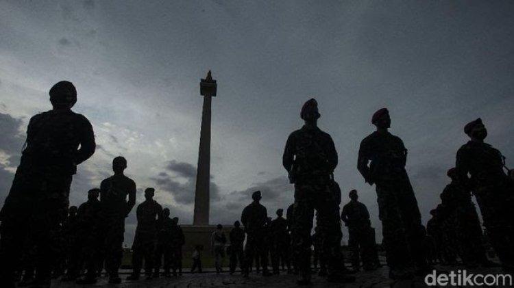 Viral 'Apel Persiapan Lockdown' di Monas, Begini Kata Polisi