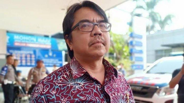 Panas! Ade Armando Ngamuk: Mohon Hentikan Pak Jokowi