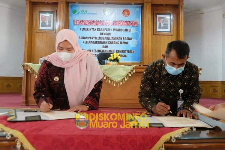 Bupati Masnah Teken Nota Kesepakatan dengan BPJS Ketenagakerjaan dan Poltekes Jambi