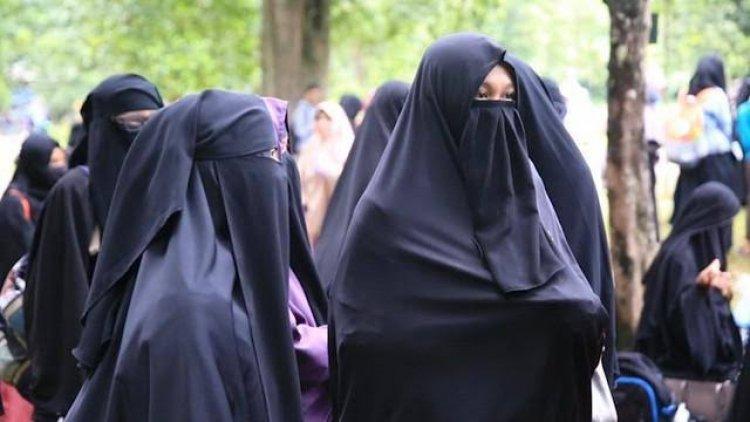Mahasiswi di Afghanistan Wajib Gunakan Abaya-Niqab