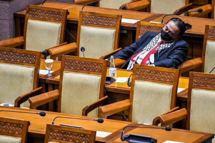 Wow! Enaknya Jadi Anggota DPR, Pensiun Pun Dapat Gaji