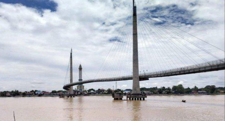 Intensitas Hujan Tinggi, Banjir Mengancam Warga yang Tinggal di Bantaran Sungai Batanghari
