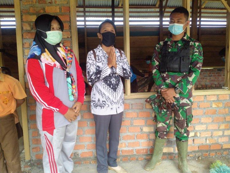 Terharu, Dua Guru di SD Pelosok Kabupaten Tebo-Jambi Ini Usai Sekolah Direhab Satgas TMMD