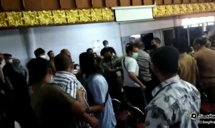 Heboh! Anggota DPRD Kabupaten Bungo Ajak Duel Warga di Gedung DPRD