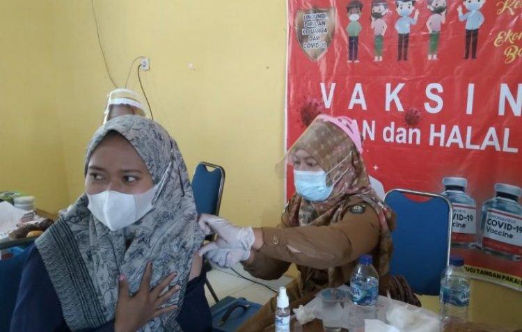 Gebyar Vaksinasi Covid-19 Massal di Jujuhan Bungo-Jambi, Camat: Sudah Capai 38,4 Persen