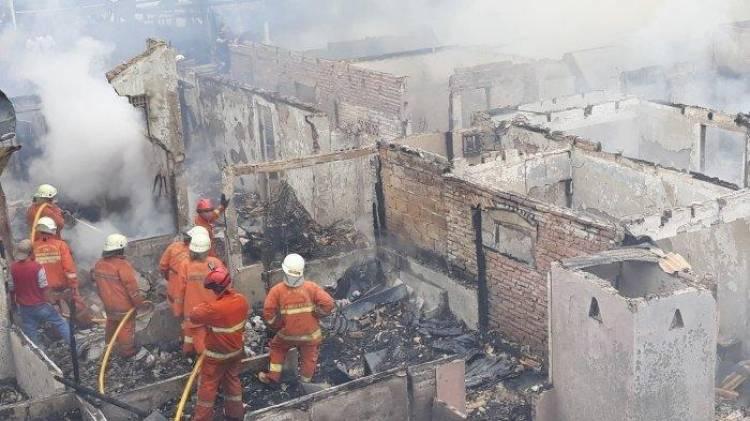 Puluhan Rumah di Kebun Jeruk Ludes Terbakar