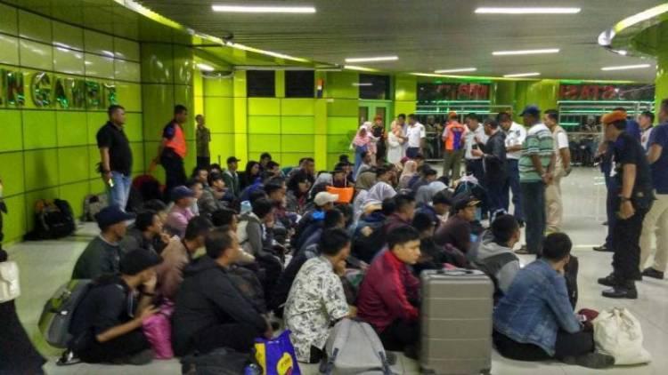 Gara-gara Lowongan Kerja Hoax, 128 Orang Terlantar di Gambir