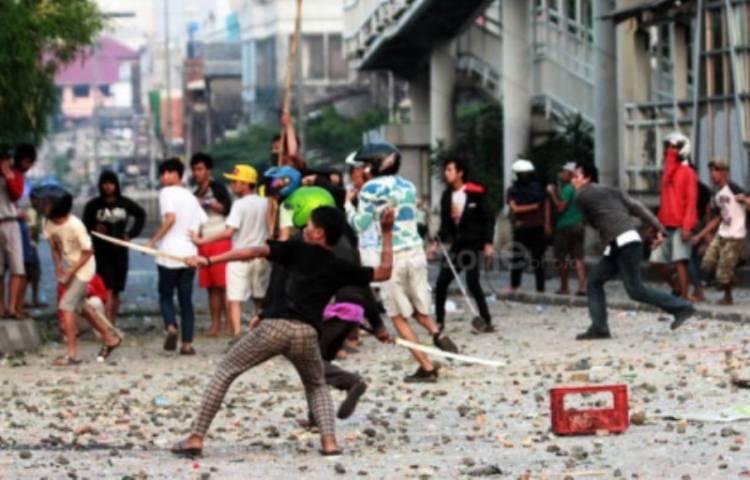 Puluhan Pemuda di Jakarta Tawuran, Dua Korban Luka Serius