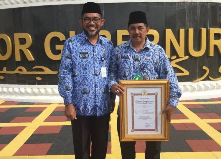 Sinta Hendra Dinobatkan Sebagai PNS Teladan Berprestasi Provinsi Jambi