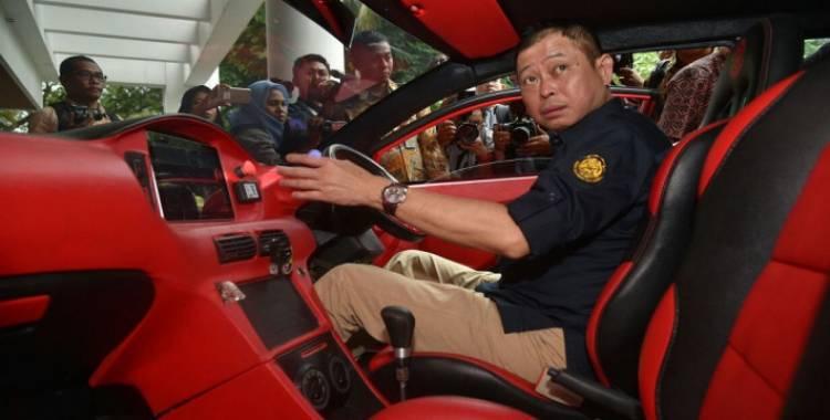 Canda Jonan, Saking Mahalnya Gaji Menteri Tak Cukup Beli Mobil Listrik