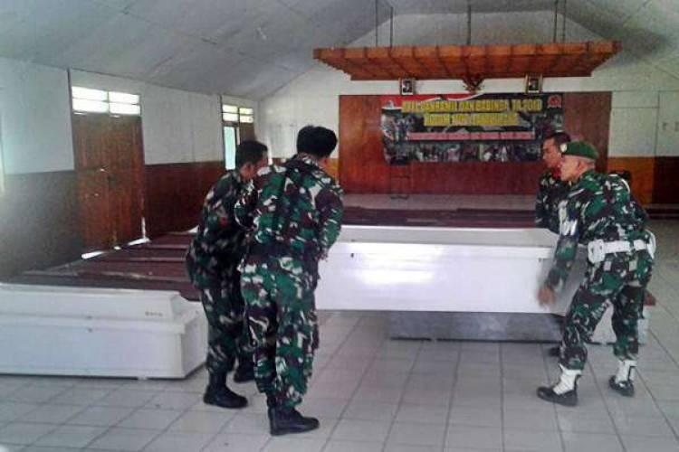 Tim Gabungan Evakuasi Dua Anggota TNI Korban KKSB