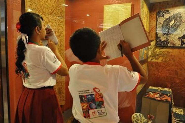 Giliran Pelajar Tampilkan Lukisan dan Foto Berkelas