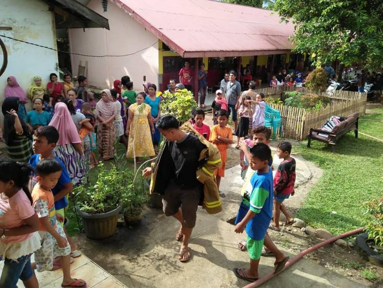 BREAKING NEWS! Kantor SDN 43/II Tanjung Belit Terbakar
