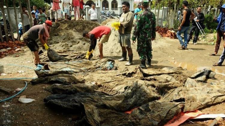 45 Korban Tsunami Telah Dikuburkan