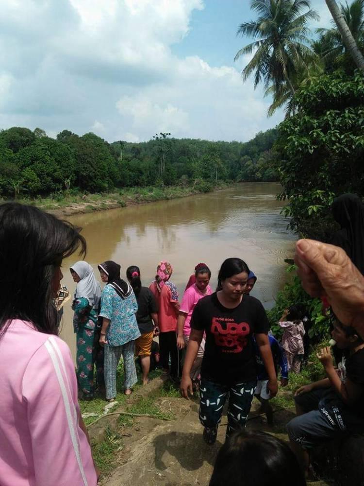 BREAKING NEWS!! Pamit Mandi, Nenek Minah Diduga Hanyut di Sungai Jujuhan Bungo