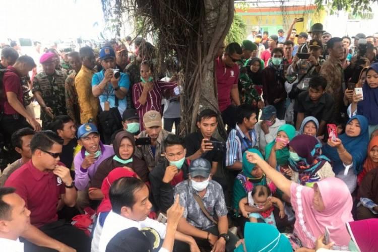 Ibu Sarnama Ceritakan Pengalamannya Ketika Tsunami pada Presiden