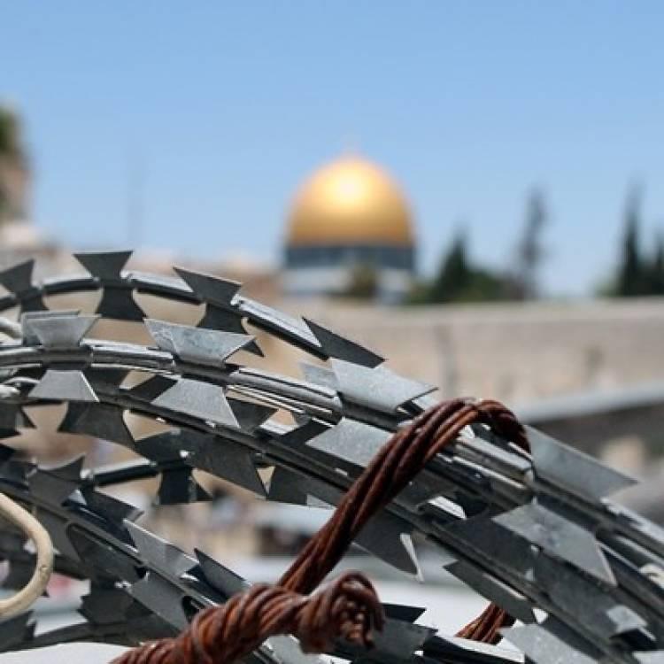 Yahudi Serang Rombongan Pejabat Palestina di Tepi Barat