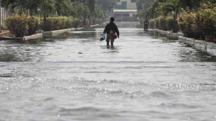 Banjir Rob Genangi Tiga Wilayah di Kelurahan Kamal Jakbar